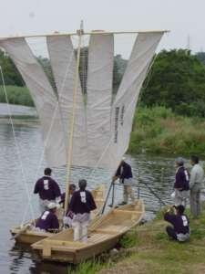 初めての帆を張る様子