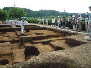 発掘現場見学会(平成22年8月8日開催)