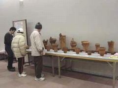 横浜縄文土器づくりの会が作った立派な土器も展示されていました